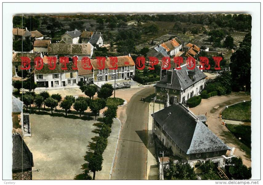 vue-aerienne-lapie-n-8-place-dreyfus-boulangerie-restaurant-le-relais